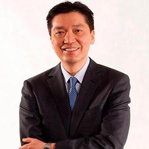Dr. Mauricio Hirata